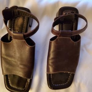 COACH SANDLES - Chocolate Brown Size 7